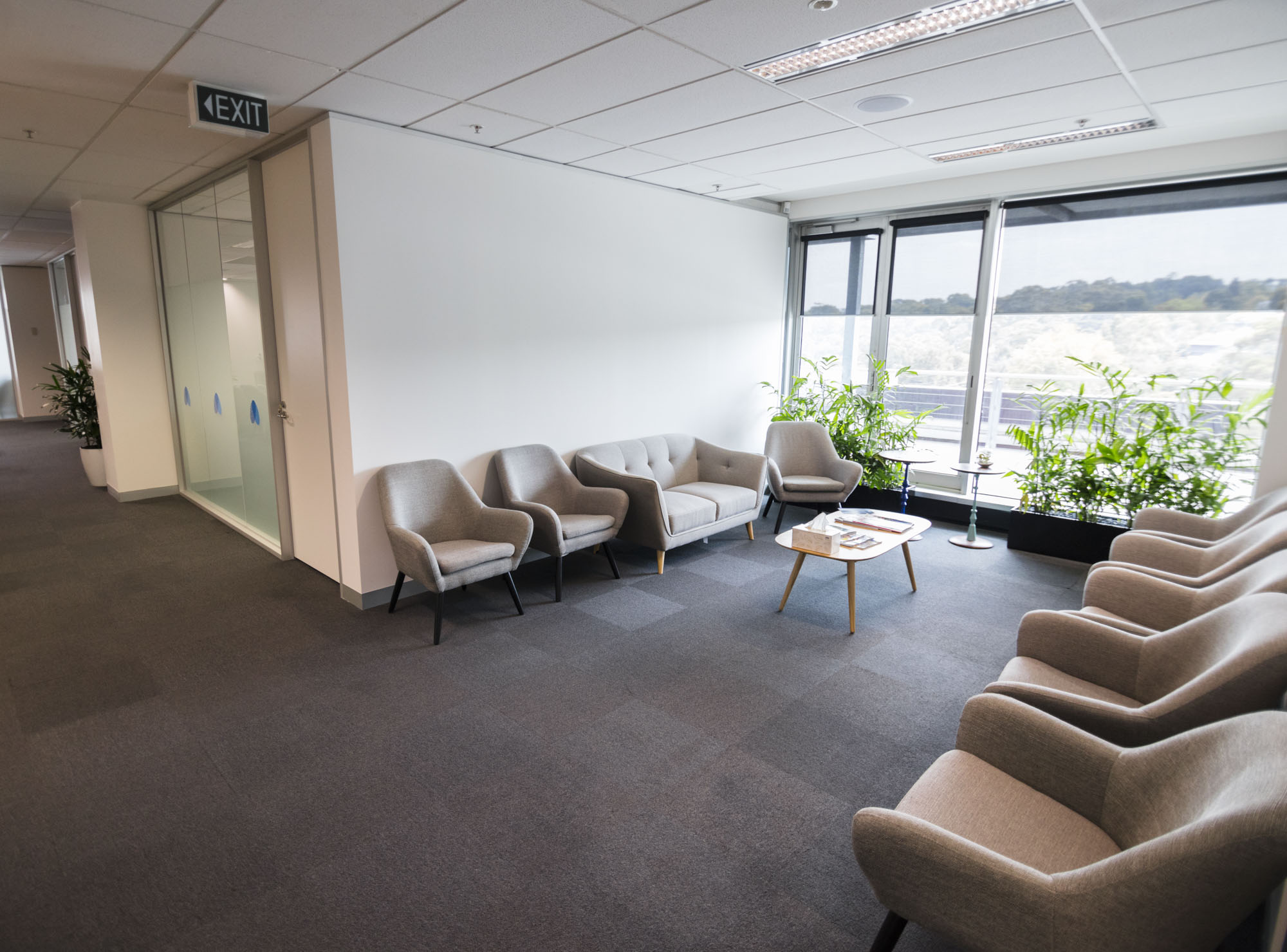 Pain Specialists Australia - Consulting Rooms Lounge 2.1.jpg