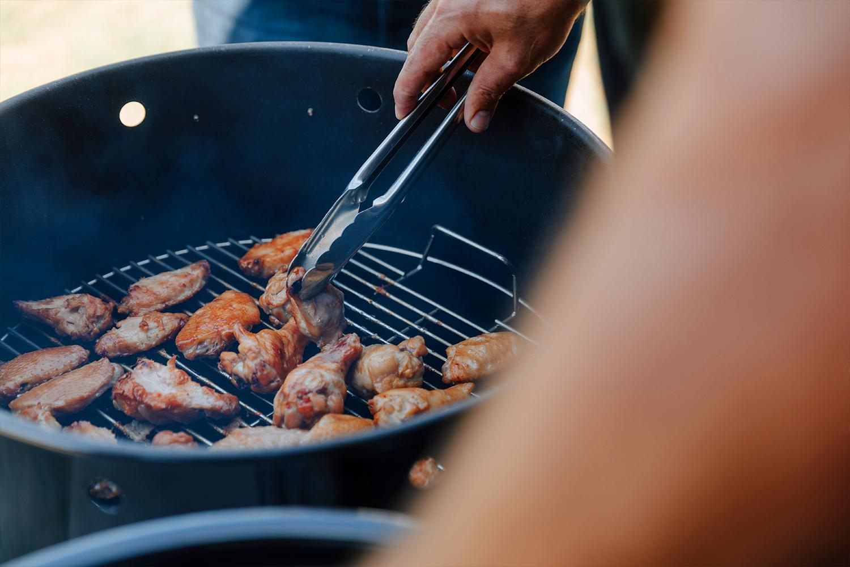 kosmosq_cooking_wings.jpg