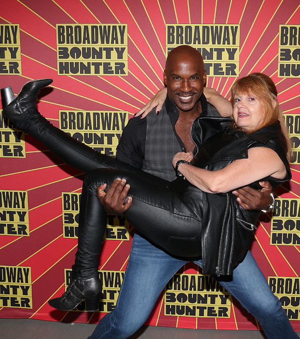 Alan H. Green and Annie Golden star in  Broadway Bounty Hunter .  (© David Gordon)