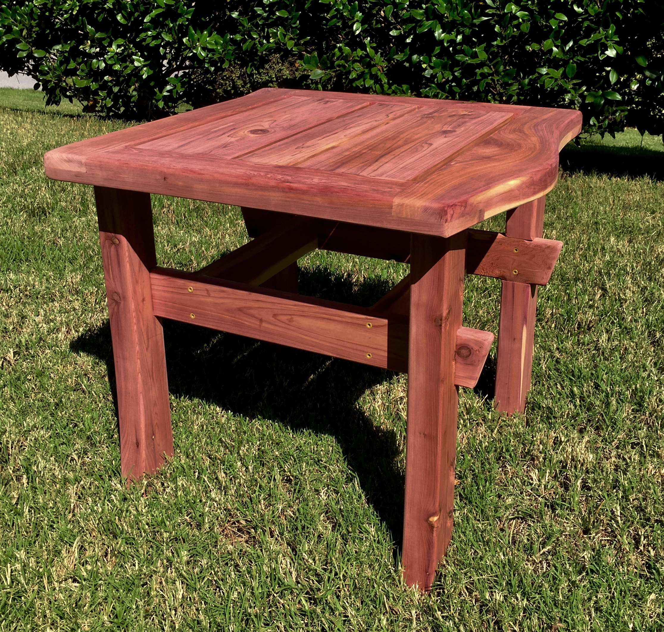 Cedar Garden Tables - Designed to pair with outdoor benches, cedar garden tables can take varied shapes - square, rectangular, circular or free-form - whatever suits your style.