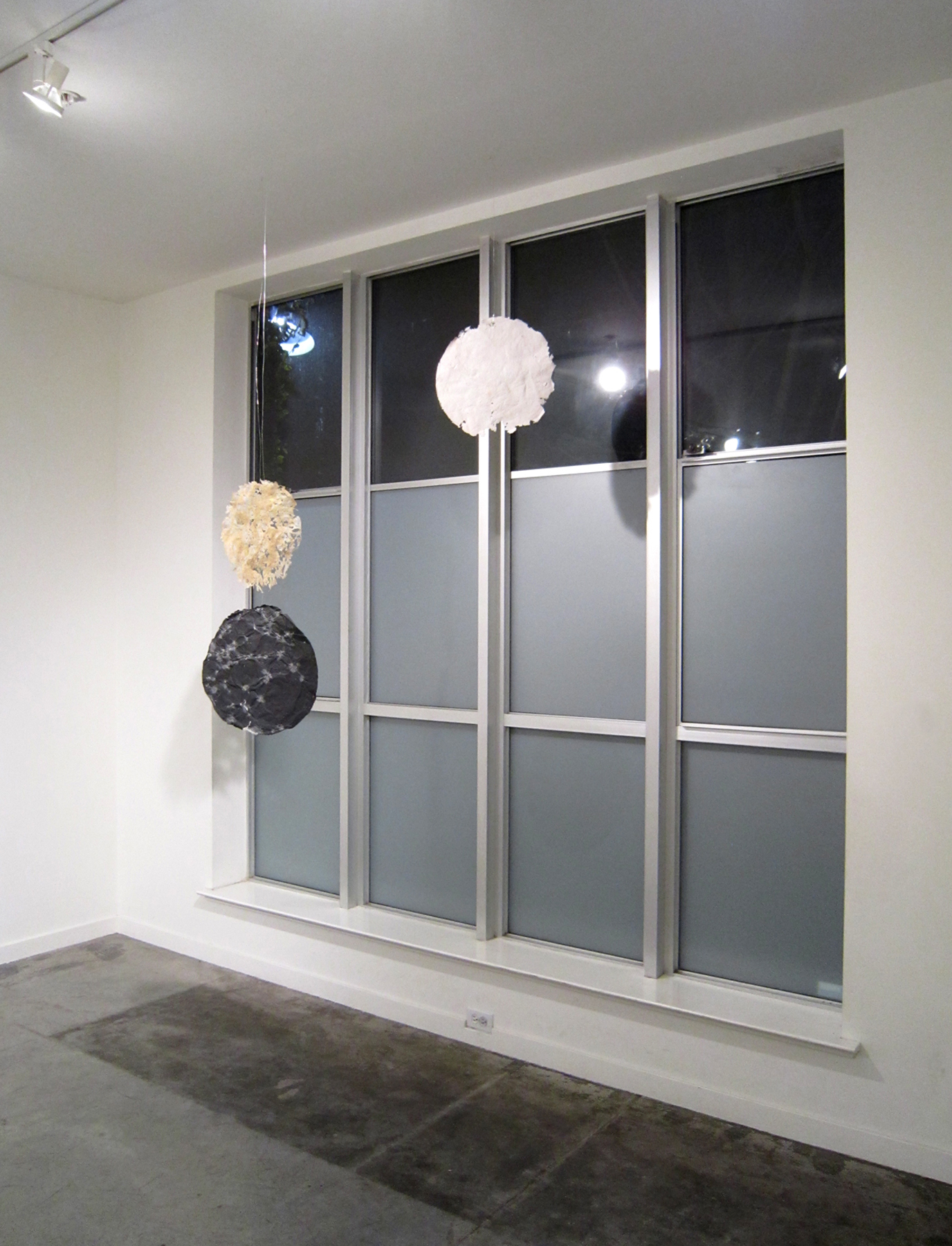 MOLLY SMITH   Route , installation