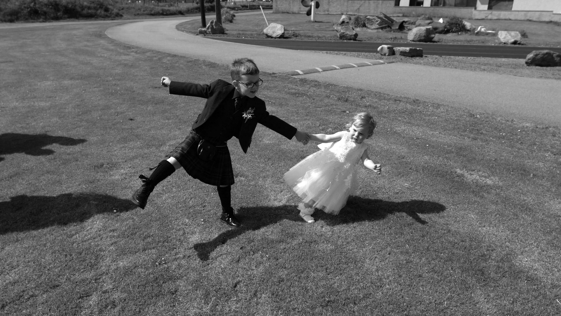 TUFTED-DUCK-SUMMER-WEDDING (20).jpg