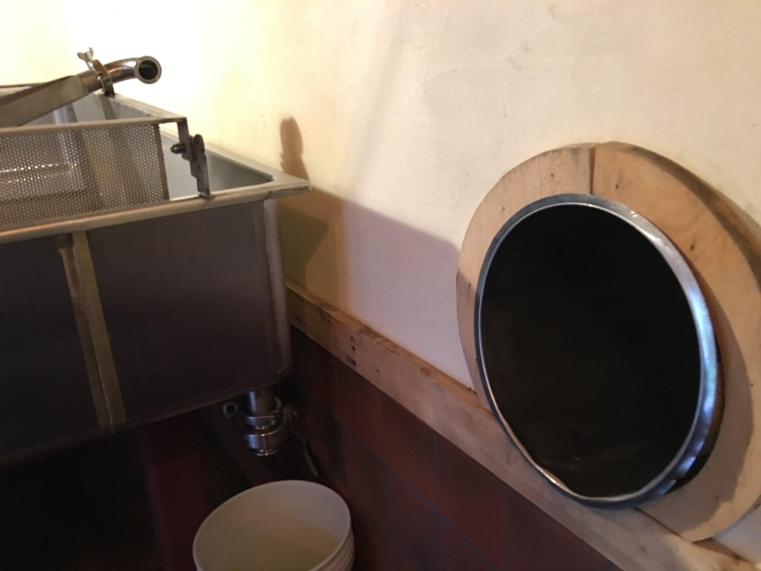 Beer glory hole
