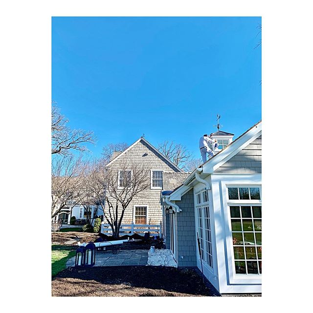 Beautiful weather these past couple days to start our outsides for the season @benjaminmoore #spring . . . . . . . . #chicagopainters #chicagopainting #chicagopaintingcontractor #commercialpaintingchicago #residentialpaintingchicago #exteriorpaintingchicago #interiorpaintingchicago #exteriorpainting #interiorpainting #chicagointeriordesign #interiordesign #chicagointeriordesigner #interiordesigner #chicagobuilders #homebuilders #homeimprovement #construction #commercialconstruction #residentialconstruction #homedecor #decor #design #architecture #homes