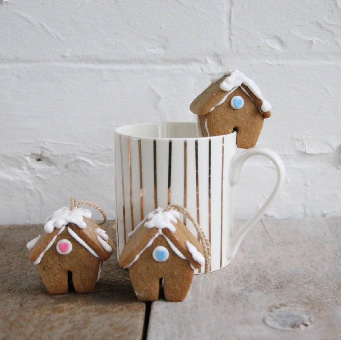 mini gingerbread house cutters mug hangers