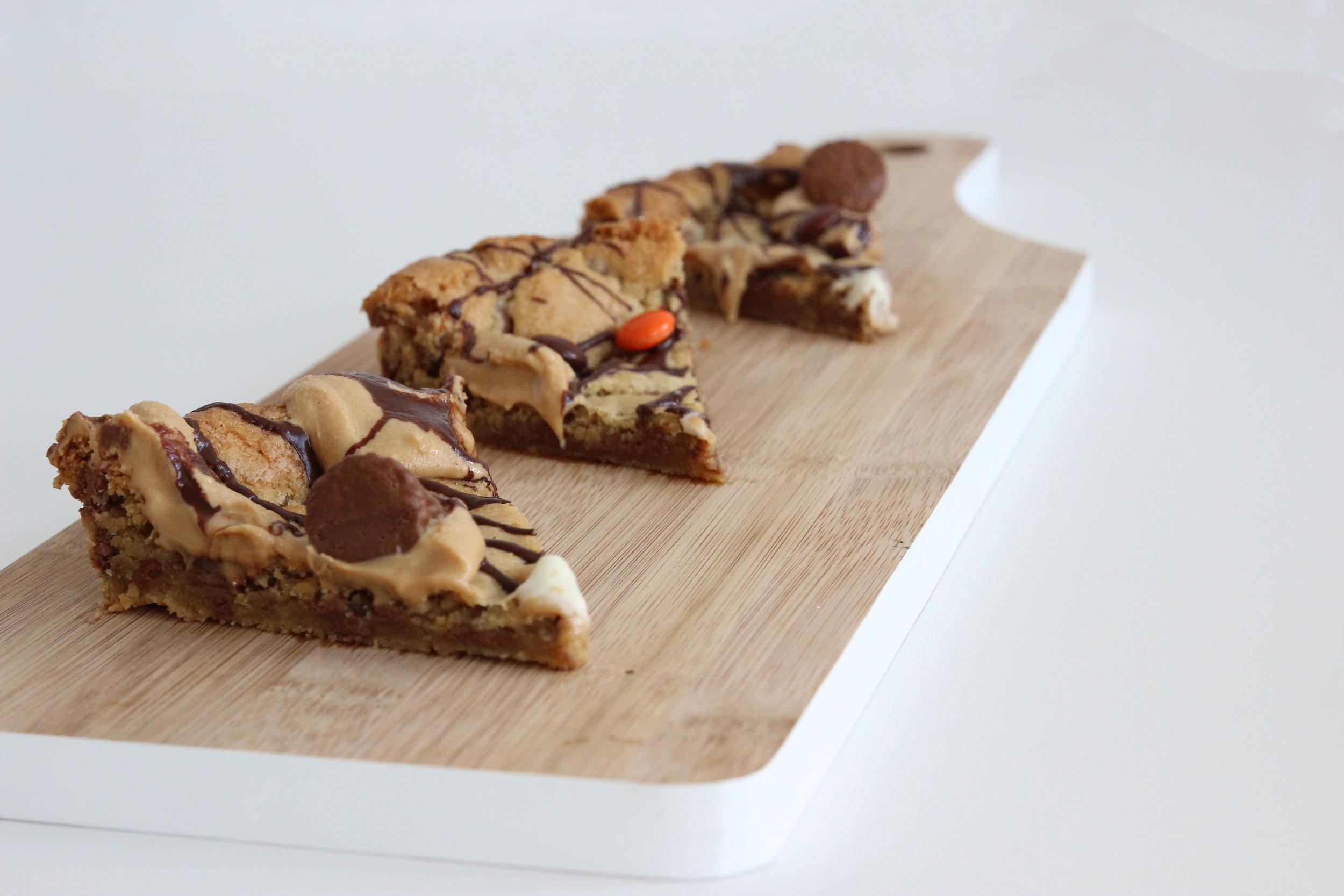 cookie pizza 4.jpg