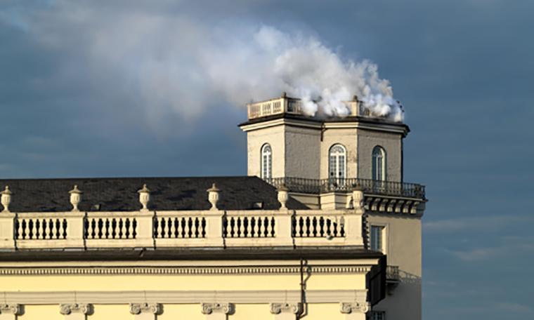 Daniel Knorr, Expiration Movement Smoke and Manifesto, documenta14 (Zwehrenturm, Kassel)