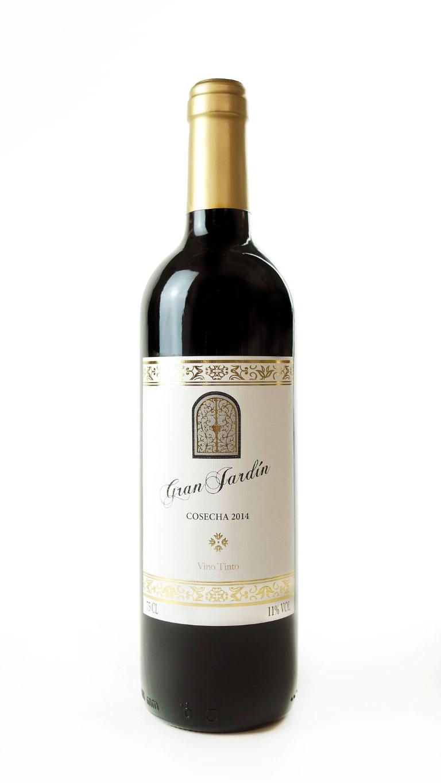 Gran Jardin Vino Tinto (Medium).JPG