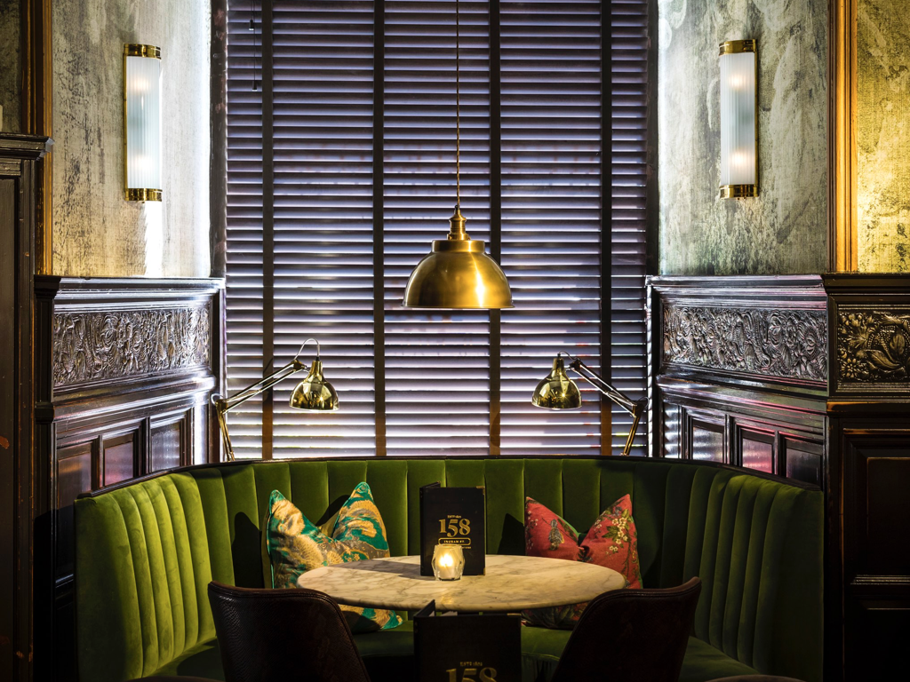 158 Club Lounge.004.png