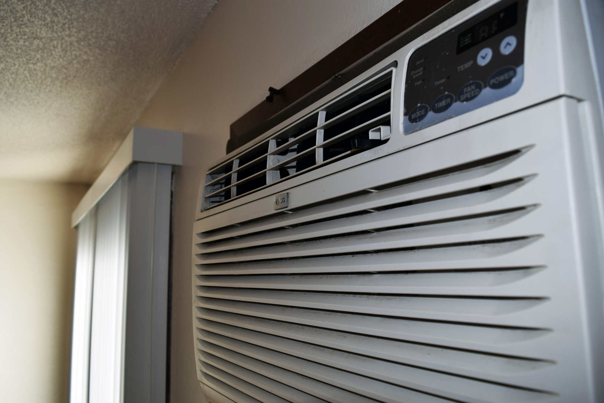 2BedWalkAirConditioner.jpg
