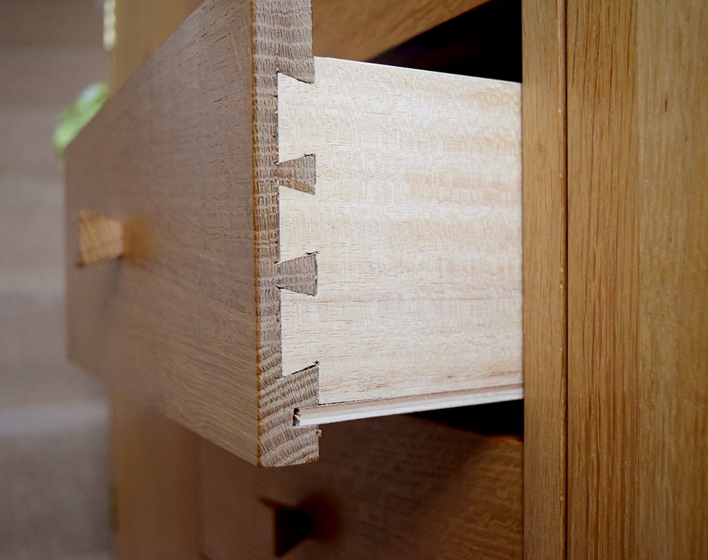 Large cabinet - dovetail joint