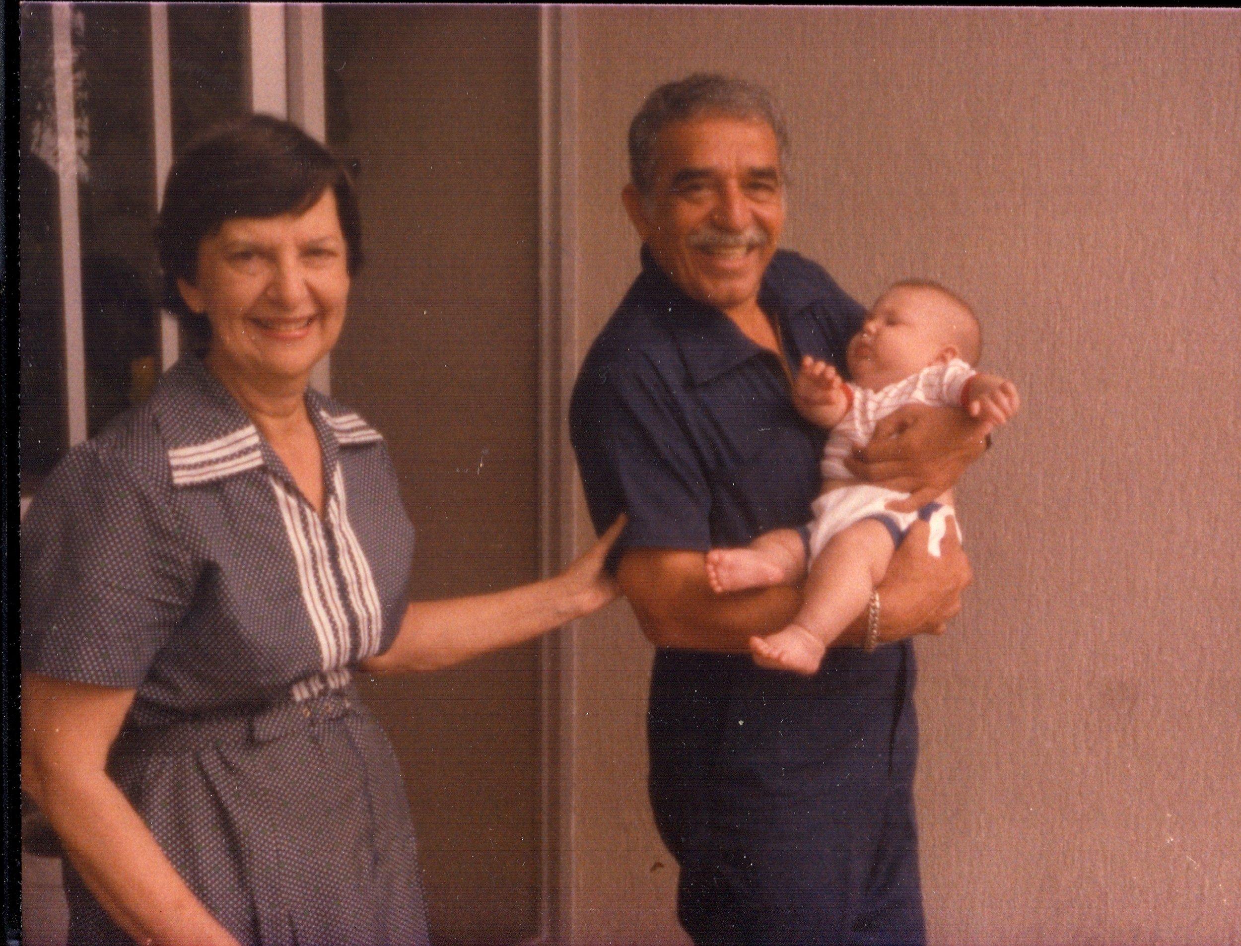 García holding a friend's grandson (photo:    Flickr   )