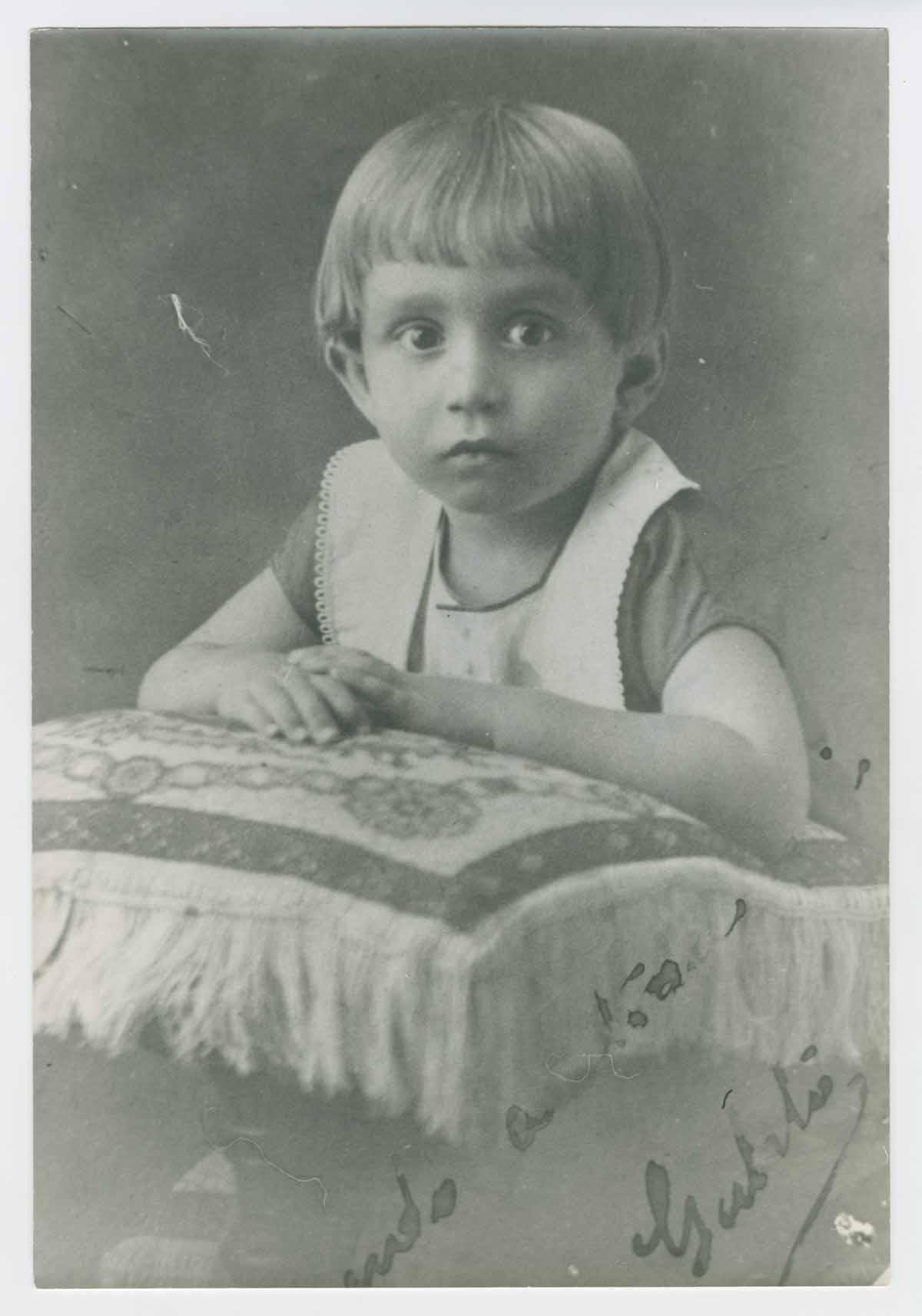 García at age 2 (photo:    UT Austin   )