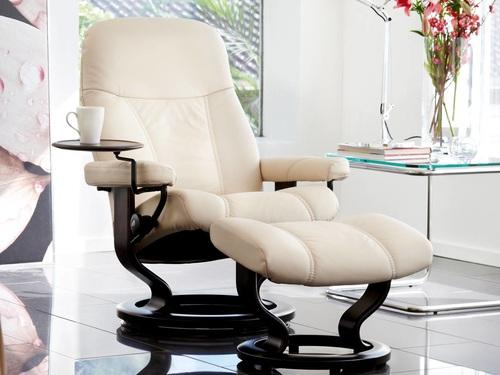 Stressless Consul Recliner featured in Cream Batick Leather