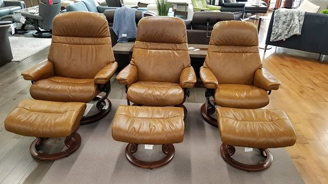 Leather with character! Stressless Sunrise in our newest Pioneer leather. A rustic pull up leather is a great new look for this amazing, comfortable Scandinavian recliner!