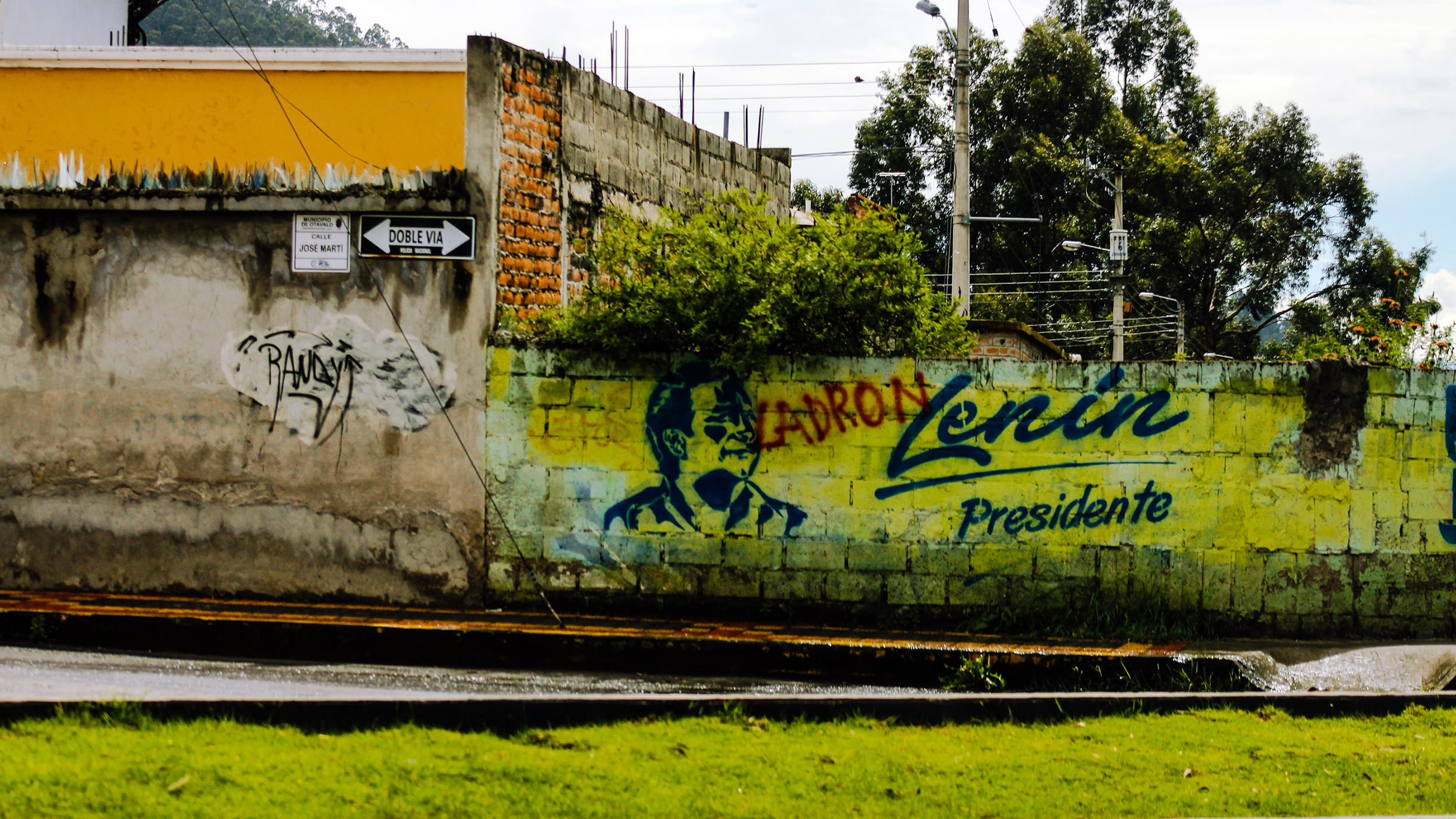 Political graffiti in the market town of Otavalo, north of Quito on the Pan-American highway, shows the political leaning of the locals.     (Hamdi Issawi)