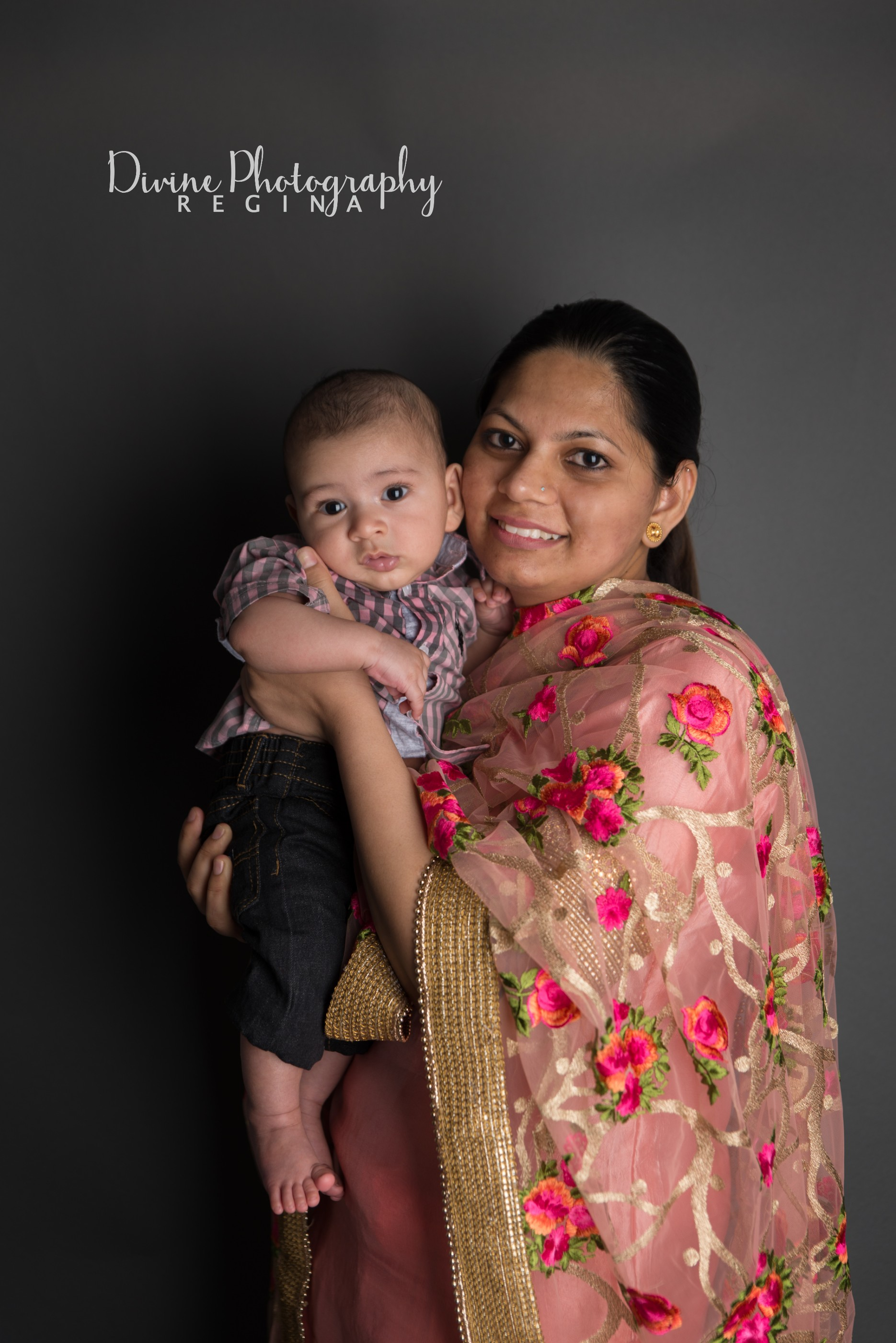 Infant session -Divine Photo Regina 3.jpg