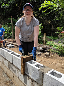 Emilie remembers how to build walls from her Nicaragua 2015 experience!