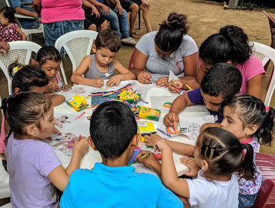Things we take for granted in Canada — like big craft stores like Michael's — do not exist in Nicaragua.  Access to crayons, paper, and other creative materials are limited.  Hence word spreads quickly when some opportunities to play and create occur.