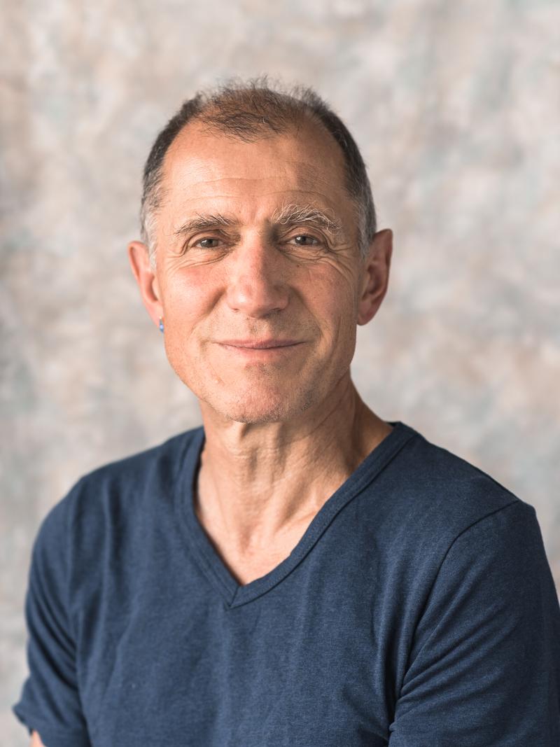 Alain Bricola, bester Gesangslehrer Basel, Musiklehrer, singen lernen