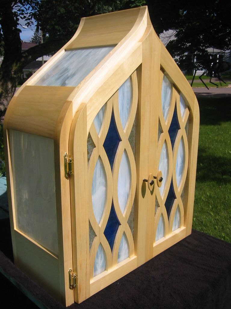Big Tooth Aspen, Blue Diamond Buffet with Stained Glass, Mirrored Interior and Shelf. Detail.