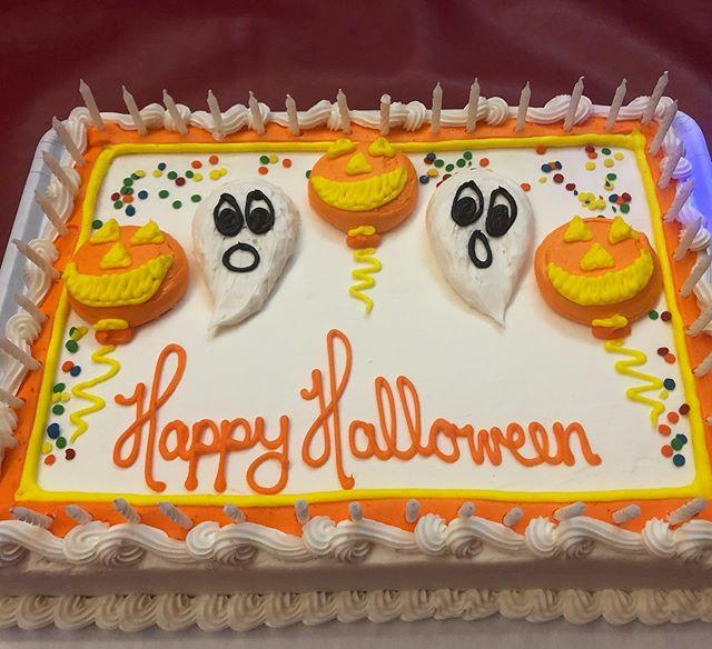 Epic Halloween 👻 party at the dojo Saturday night! Over 60 kids throughout the night - zip lining, swinging, piñata bashing and candy 🍭 eating!  #lovethedojo #saitobloodlineninjitsu #mastermaui #scottsdalekids #halloweenparties #martialarts #dojolife