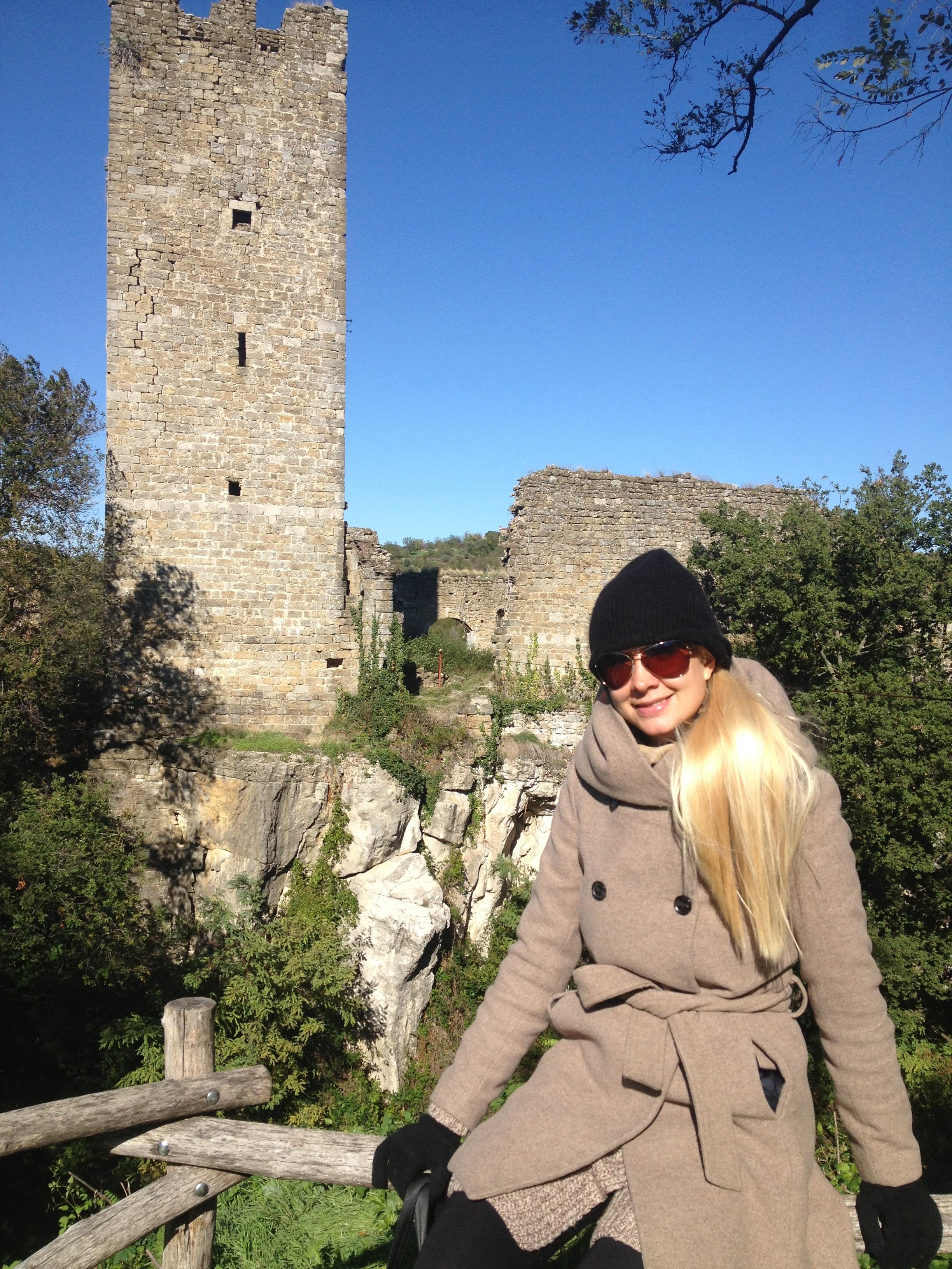 Castle-in-Momjam