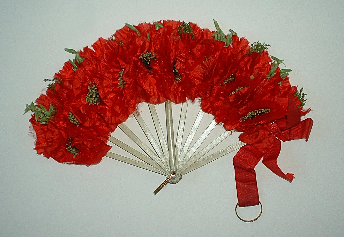 Poppy Bouquet Fan