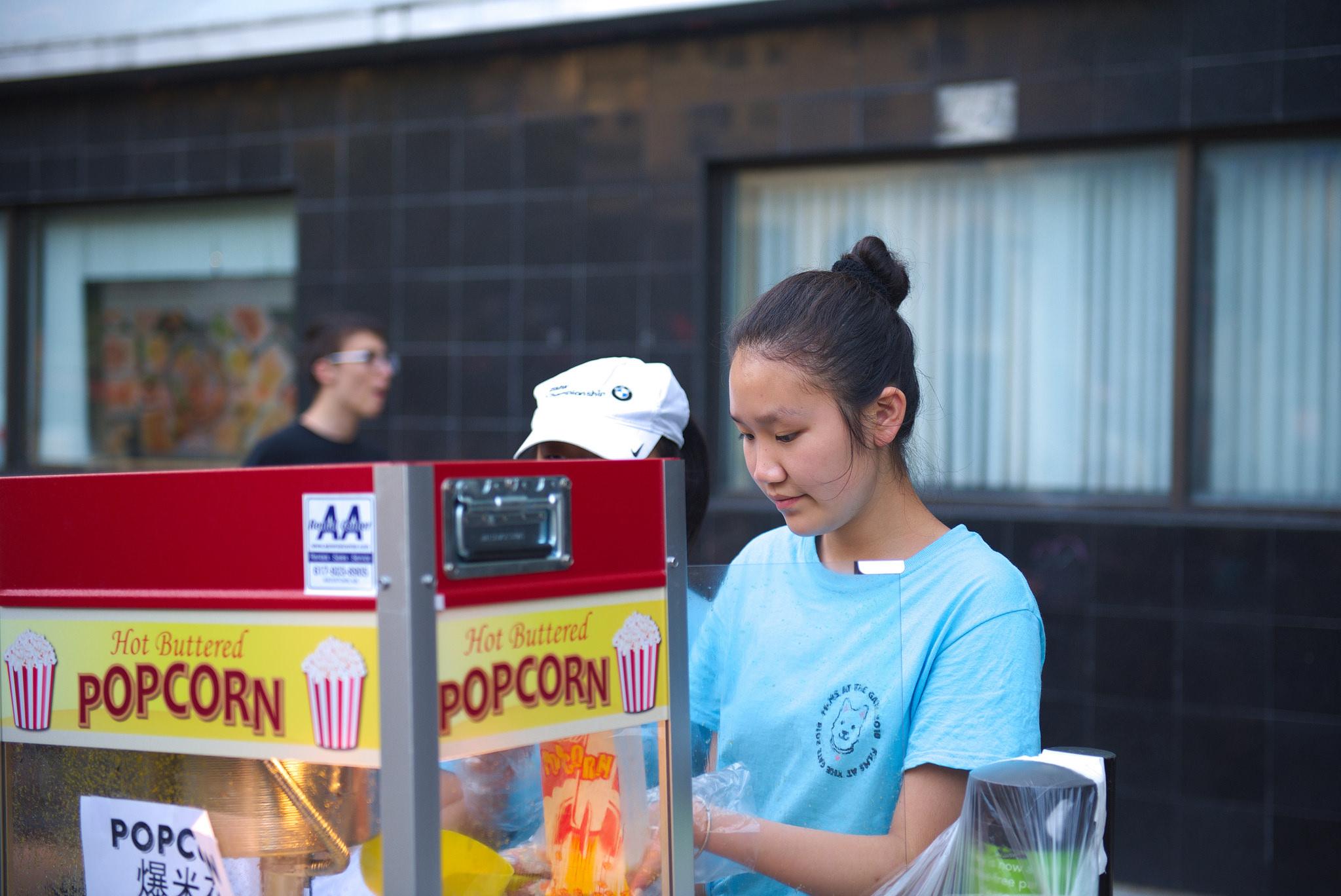 Volunteers_popcorn2.jpg
