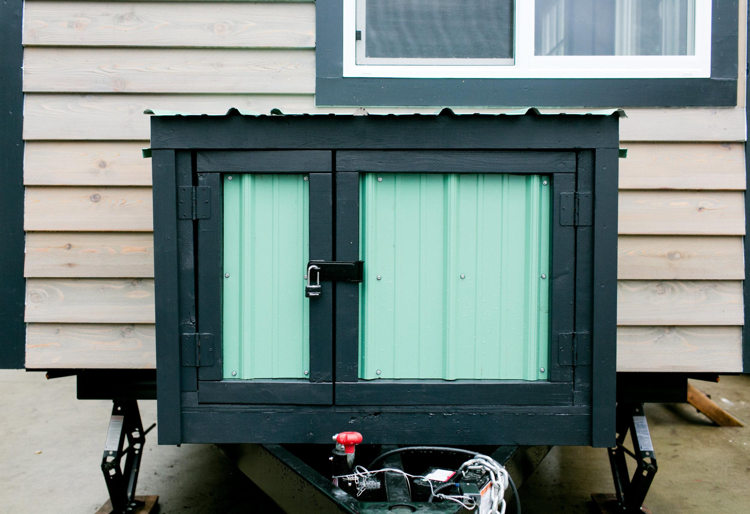 Lockable outdoor storage