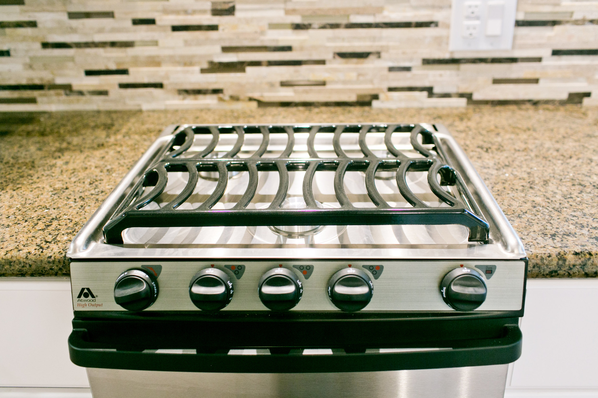Stainless steel high BTU gas stove and oven