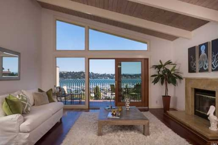 SAUSALITO- DUPLEX WITH SWEEPING VIEWS   Represented Buyer: $2,540,000 (Under List Price)
