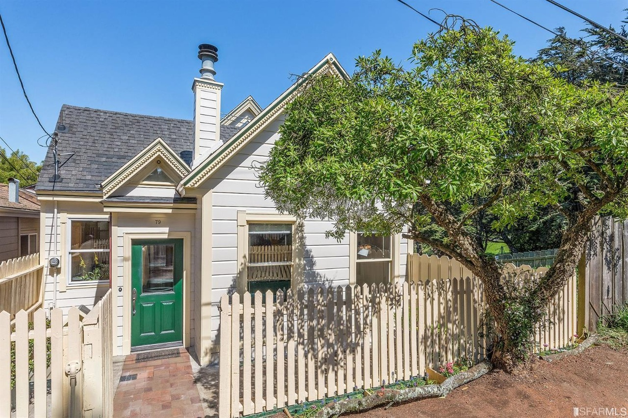 Fabulous In-City Farmhouse  Represented Buyer: $1,375,000