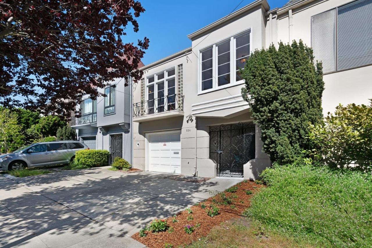 Home near the Beach  Represented Buyer: $1,450,000