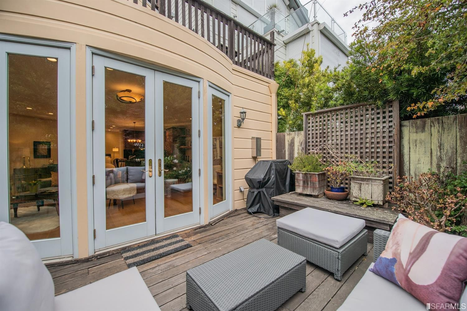 2153 North Point - 1 bed | 1.5 bath | Great outdoor space | $899,000