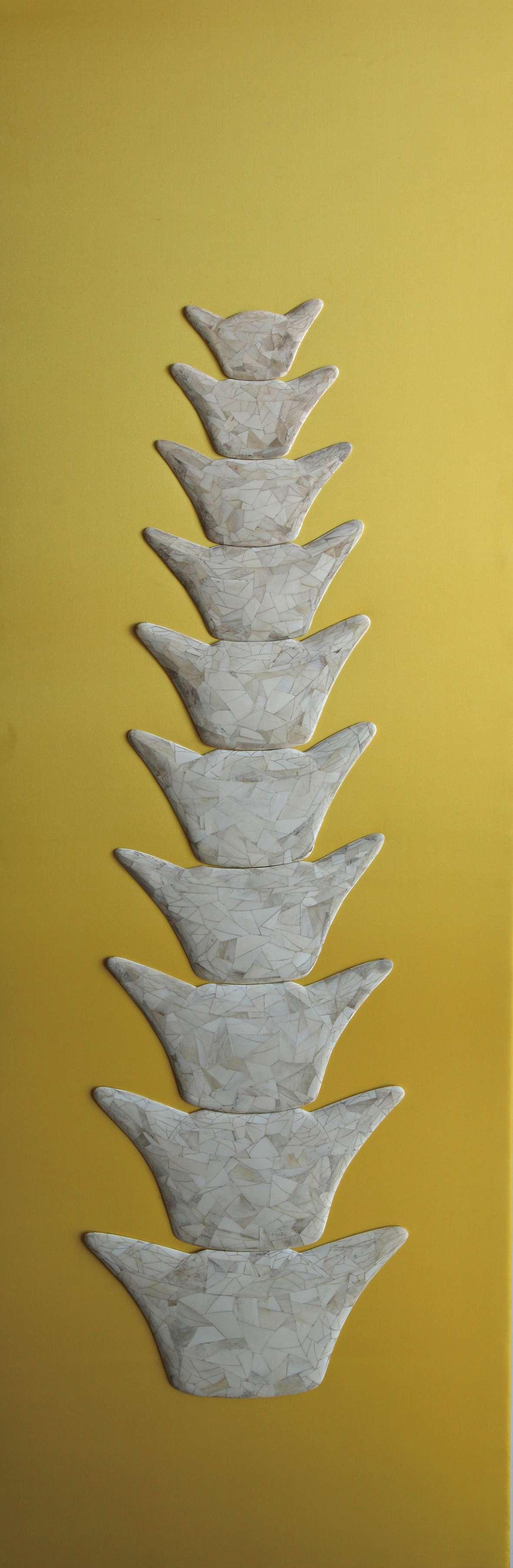 庞海龙    宝塔  材料:牛骨150x50cm   2013_compressed.jpg