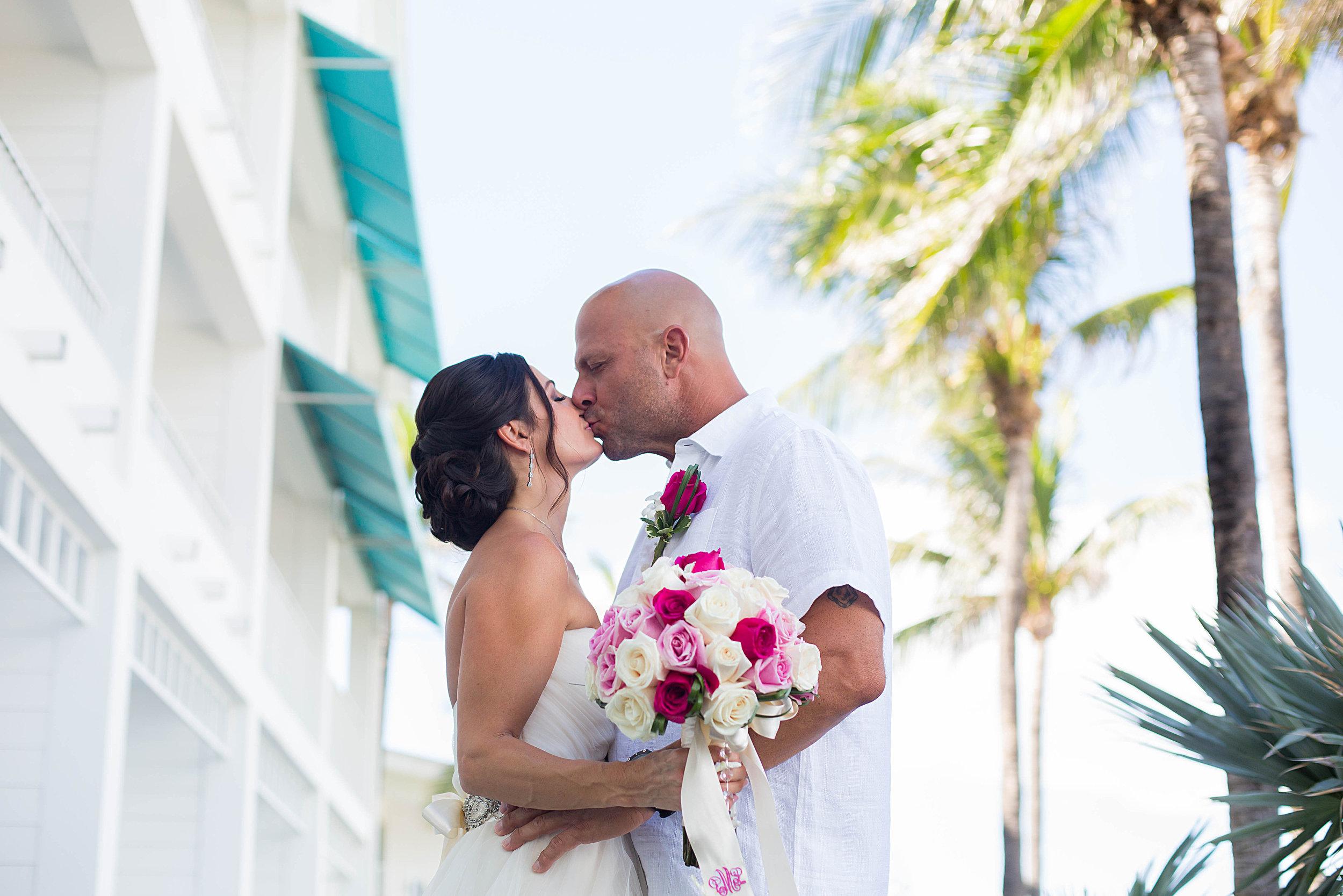 hillsboro-club-wedding-photographer.jpg