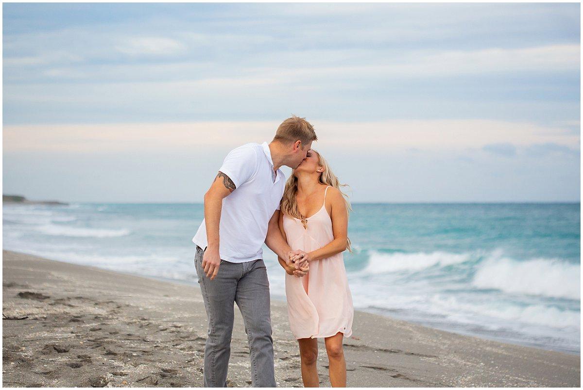 Daytona-beach-engagement-photographer.jpg