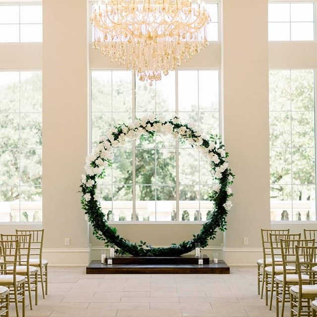 Our Moon Gate with artificial floral and greenery 😍 . 📸@huberthuyphotography . #weddings #dweddings #dallasengagement #dallasweddings #dallas #dallasbrides #wedding #weddingdecorations #weddingdecor #love #brides #arch #circlearch #engagement #weddingplanning #stylemepretty #bridal