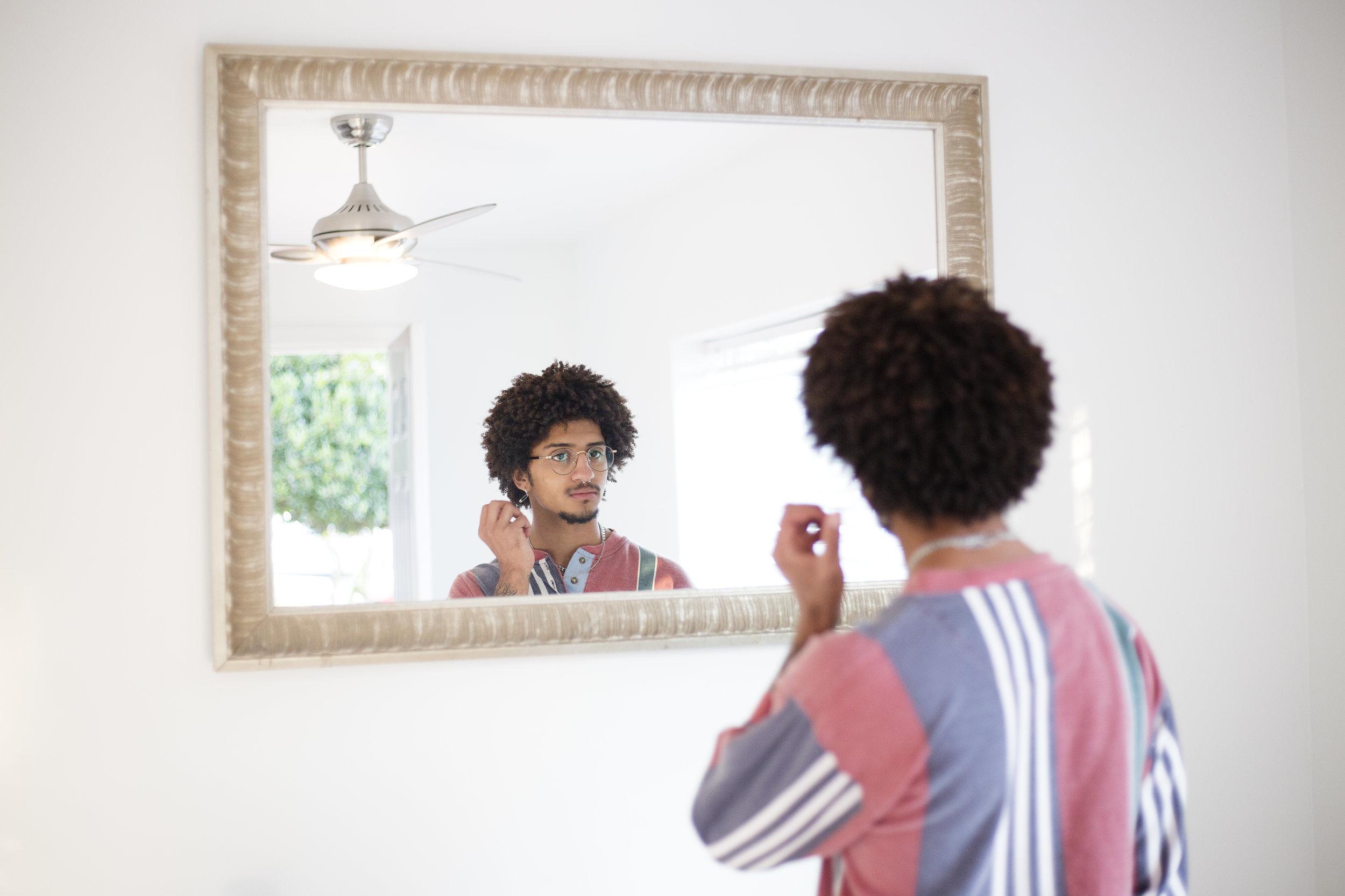 Moe_mirror.jpg