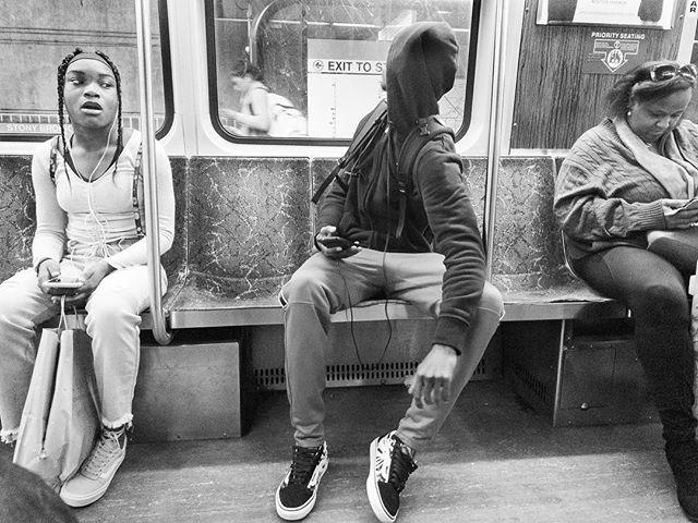 """""""Los desconectados"""" . . . . . #luisbrens#luisbrens.com#losdesconectados  #streetphotography #brensgraphy #Luis.brens"""