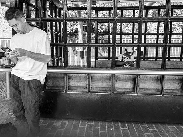 "Proyecto:""Los desconectados"" . . . . . #luisbrens#luisbrens.com#losdesconectados  #streetphotography #brensgraphy #Luis.brens"