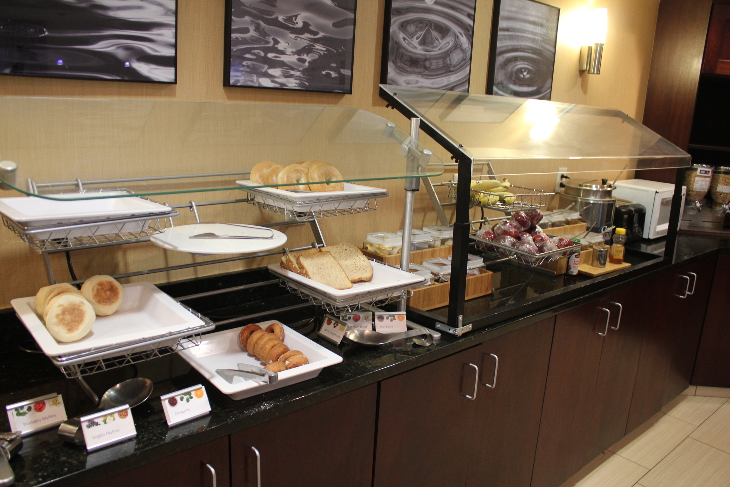SpringHill Suites Charlotte Airport – Breakfast selection