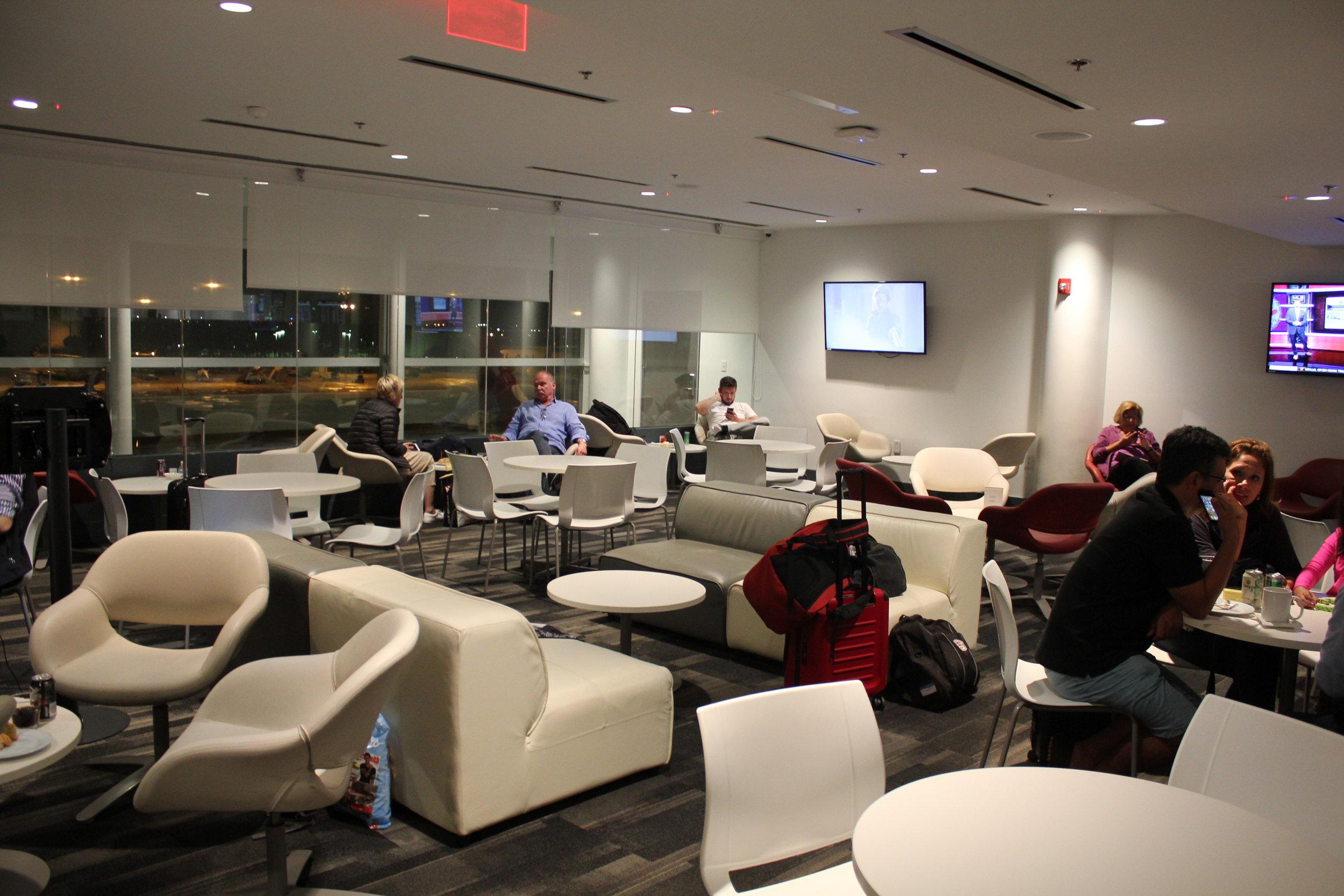 Avianca Lounge Miami – Seating area