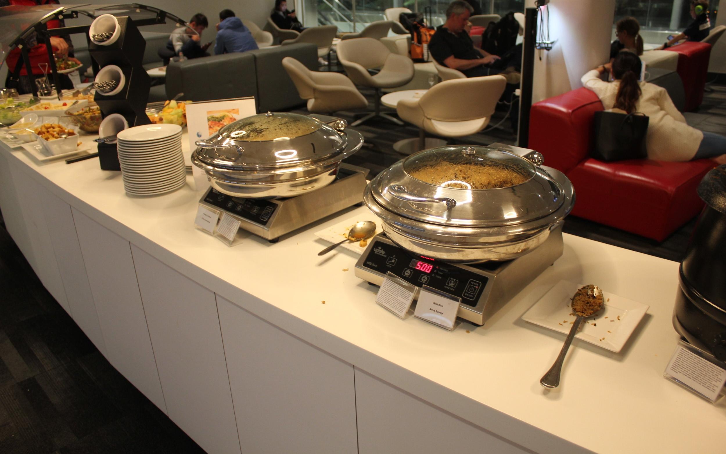 Avianca Lounge Miami – Food spread