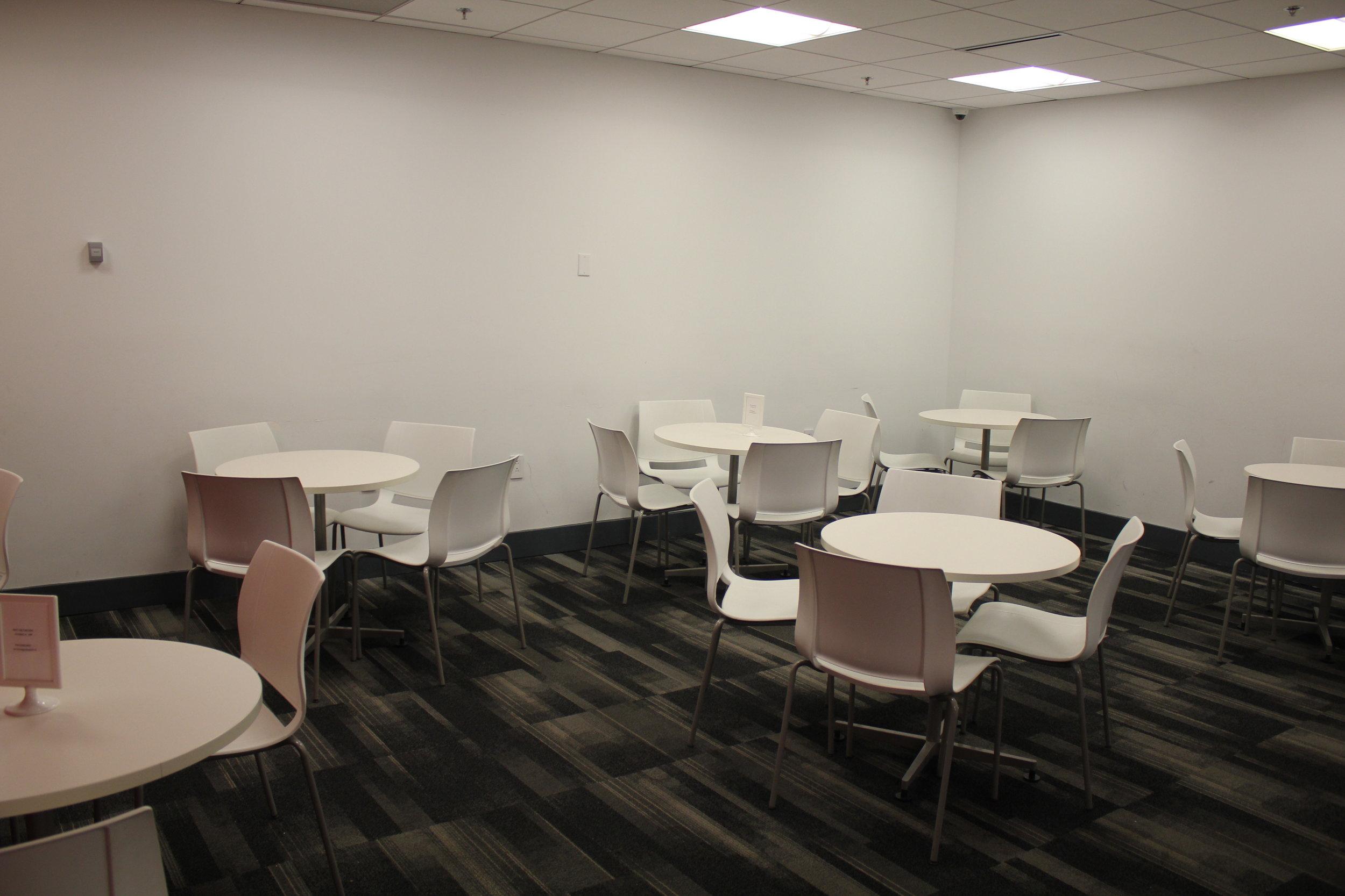 Avianca Lounge Miami – Dining area