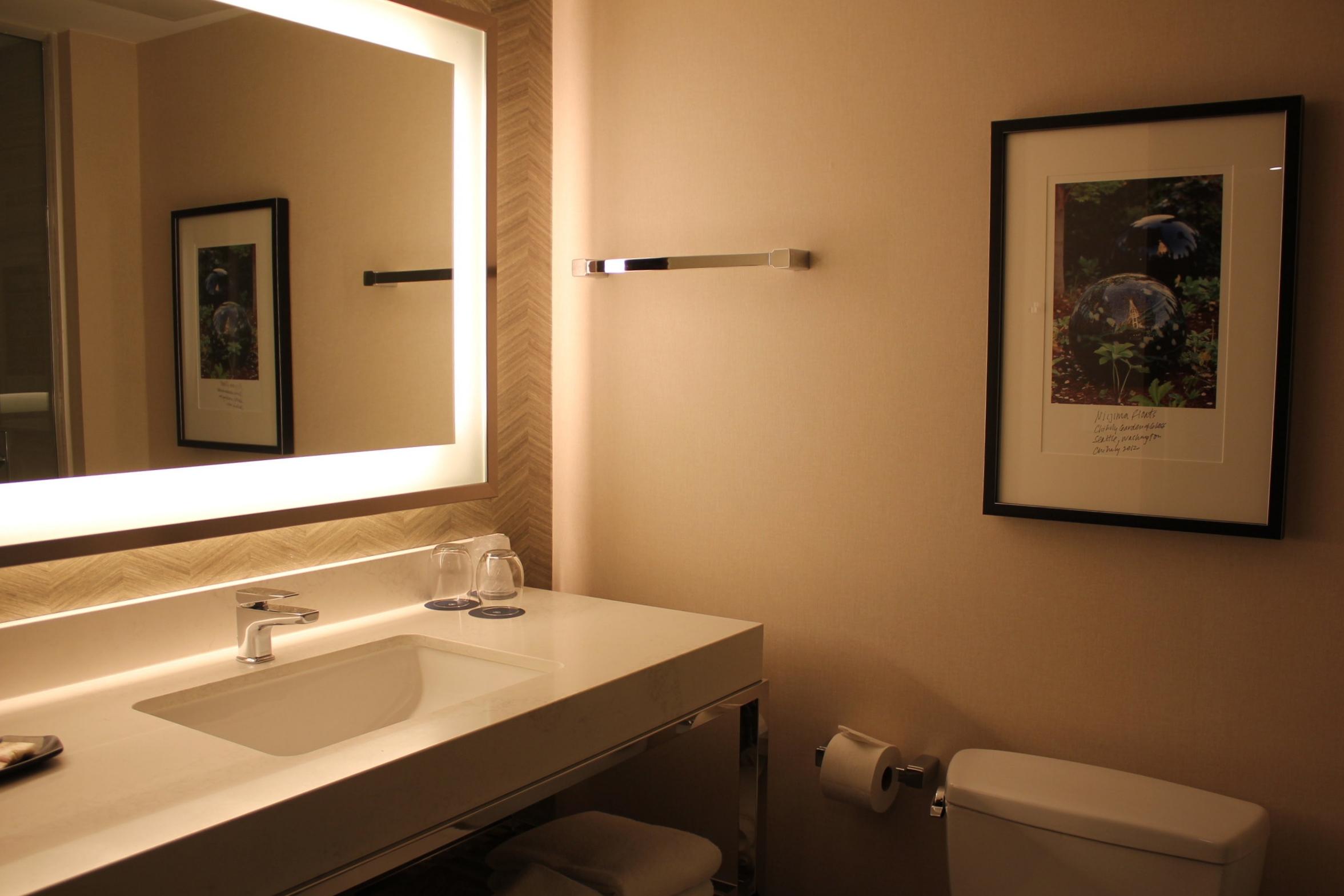 Sheraton Seattle – Bathroom