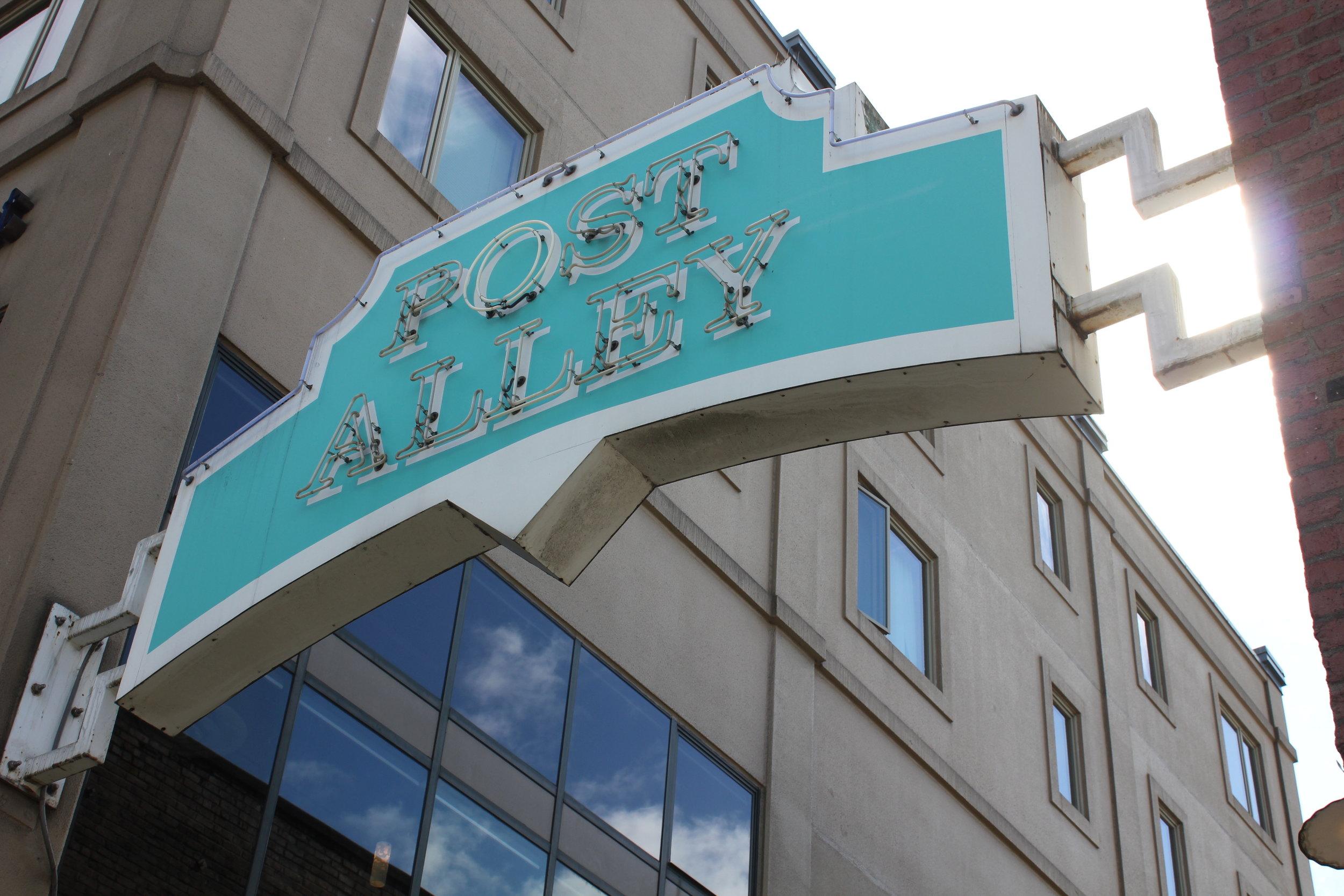Post Alley – Entrance sign