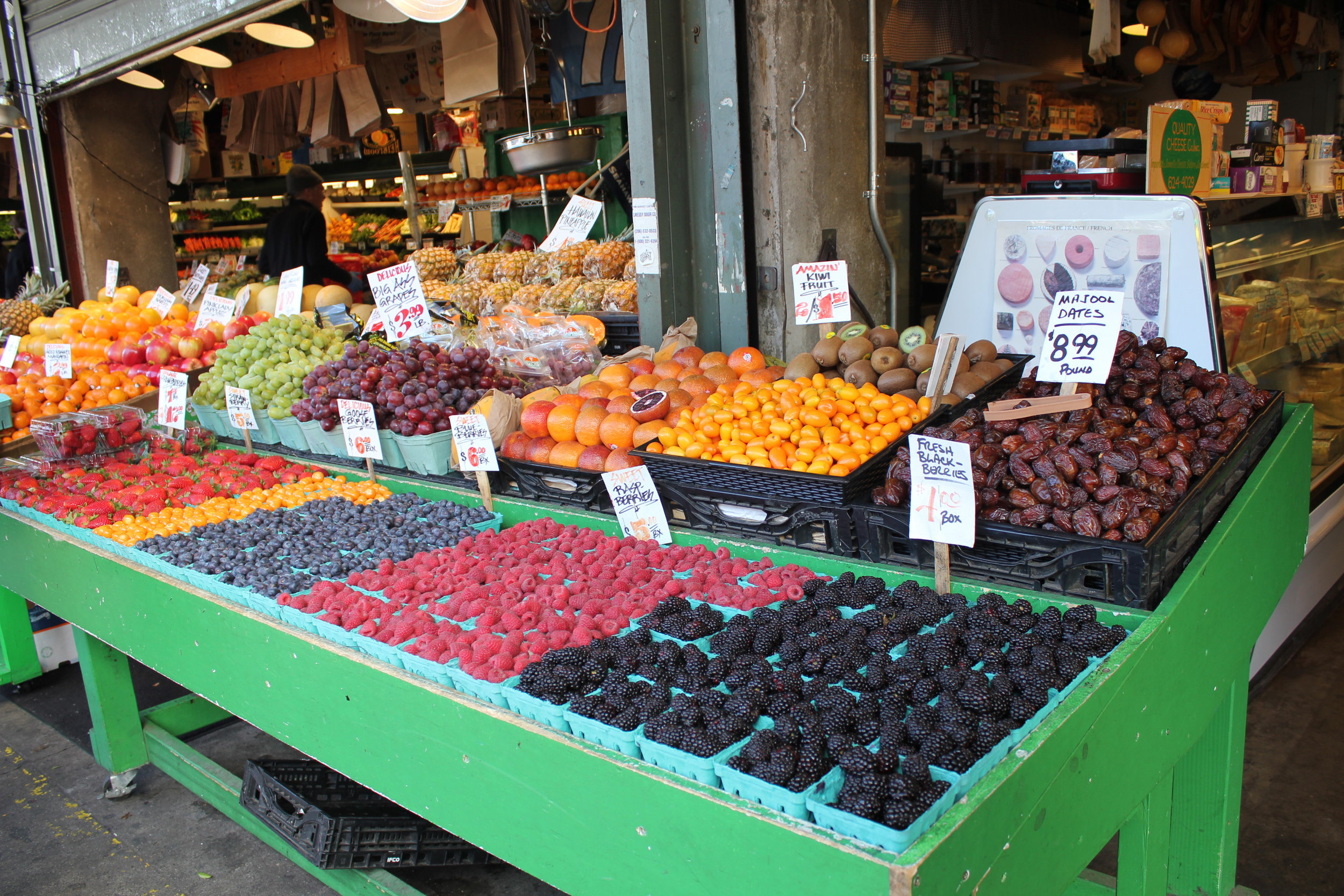 Pike Place Market – Fresh fruit