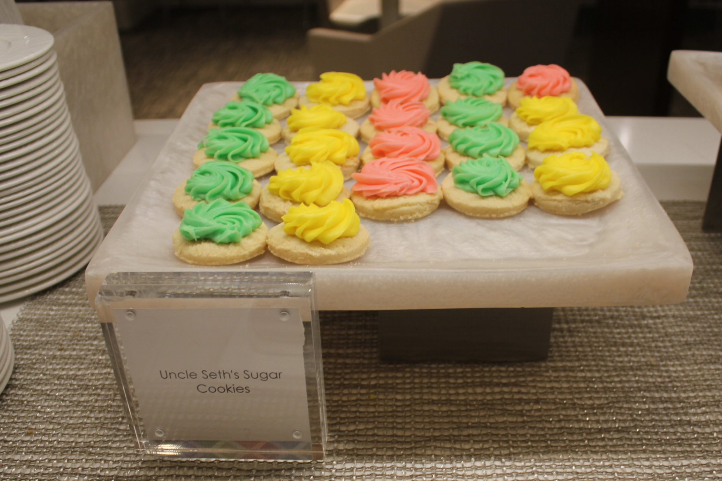 Centurion Lounge Seattle – Uncle Seth's Sugar Cookies
